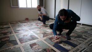 Osmanlı padişahlarını 1,5 milyon taşla resmetti