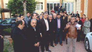 """Samandağ'da CHP'liler  """"Hayır""""  için ayakta"""