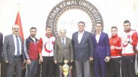 Mkü'lü sporculara  madalya ve kupa