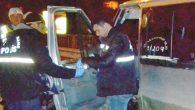 Polisten kaçan minibüs bariyerlere çarptı: