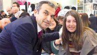 Naim Babüroğlu kitabını imzaladı