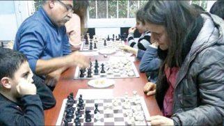 Beyaz Kale'den satranç ustalarına plaket …