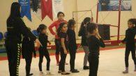 4-5 yaşında çocukların jimnastik mahareti: