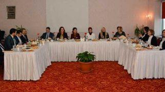 Aydın kadınlar ziyareti AKP'ye