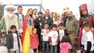 Türkmen yetimler doyasıya eğlendi