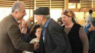 Başkan, yaşlılarla halay çekti…