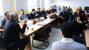 Karahan okulları gezdi