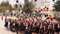 135 Mezun öğrenci kep fırlattı