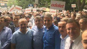 """CHP'nin """"Adalet"""" Yürüyüşü"""