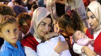Başbakan'ın kızı, gelini,  kardeşi Hatay'da