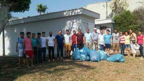 CHP'li gençler sahil temizliği yaptı