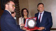 Altın Defne Edebiyat Ödülü Nihat Özdal'a