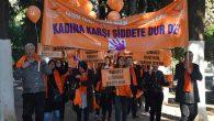 """Sağlıkçılar, """"Kadına Şiddete"""" karşı yürüdü"""