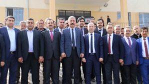 Karahan'dan aynı gün 2 ilçede 3 okul ziyareti