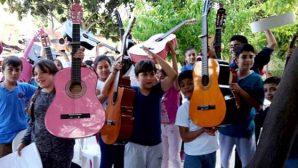 Müziği ve sanatı eğlenerek öğreniyorlar