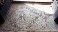 Kimi mozaikler 'ayak altında'
