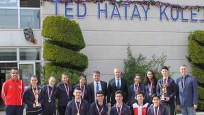 TED'e  teniste 2 kupa