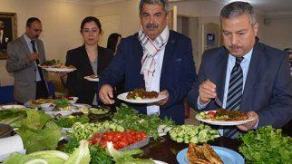 Kısır Partisi, 8 Mart'a özel…