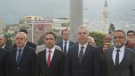 Eski Milletvekili, Doktorlar da Anıt'ta