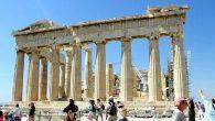 Biri Atina'nın zirvesinde