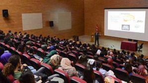 "MKÜ'de ""Beyin"" Konferansı"
