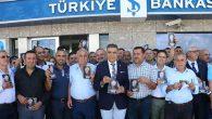 CHP'liler, İnce'ye yardım için banka kuyruğunda…