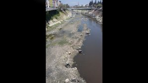 Çöp içinde bir nehir…