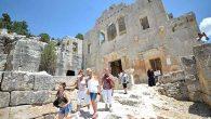 Mersin'deki Manastır da aynı yaşta