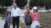 Belediye Başkanı, miniklerle çöp topladı