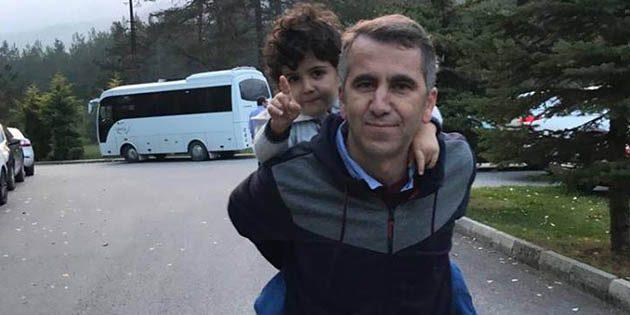 Ankara sokaklarında çocuğunu sırtladı ve söyledi: