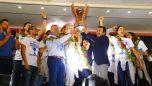 Kupa zaferine coşkulu kutlama …