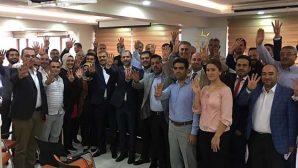 AKP'de Rabia İşareti…
