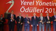 Kılıçdaroğlu,  Nehir'e plaket verdi
