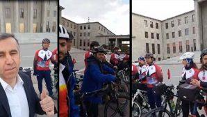 Bisikletçiler  Anıtkabir ve  TBMM'de