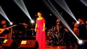 İlkay Akkaya'dan muhteşem konser …