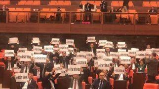 CHP'liler TBMM'de eylem yaptı: