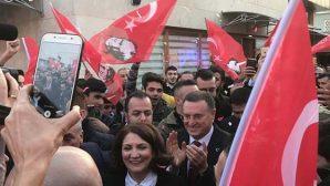 CHP toplantısında mahşeri kalabalık