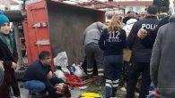 Tarım işçilerini taşıyan römork kaza yaptı