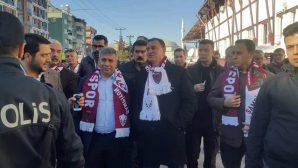 Hatunoğlu, Hatayspor taraftarlarına otobüs tahsis etti