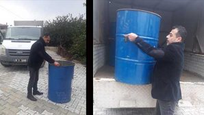 Daha Muhtar değil, şimdiden çöp  bidonlarını eliyle taşıdı!