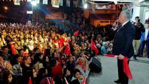 Bağrıyanık CHP'lileri bağrına bastı
