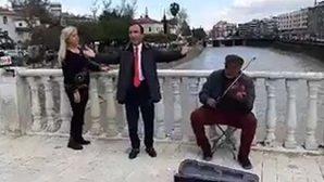 Roma Köprüsünde Serenat…