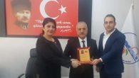 "Mithat Nehir'e ""CHP İl Teşekkür Plaketi"""