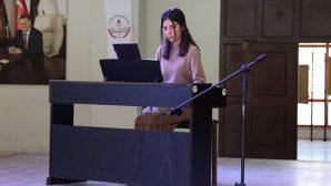 HATMEK kursiyerinden piyano dinletisi