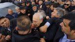Kılıçdaroğlu'na yumruklu saldırı