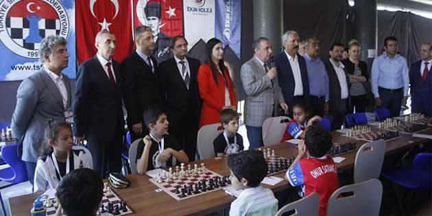 Ekin Koleji ev sahipliğinde 369 Satranççı yarıştı