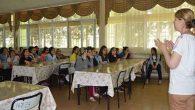 Genç kızlara üreme sağlığı eğitimi