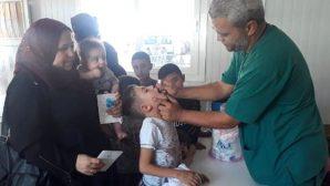 Suriyeli çocuklara çıkışta