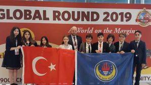 TED'liler, anadili İngilizce olan öğrencilerle yarıştı, yendi