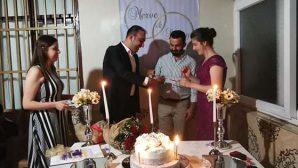 CHP İl Başkanı genç çiftin  yüzüklerini taktı